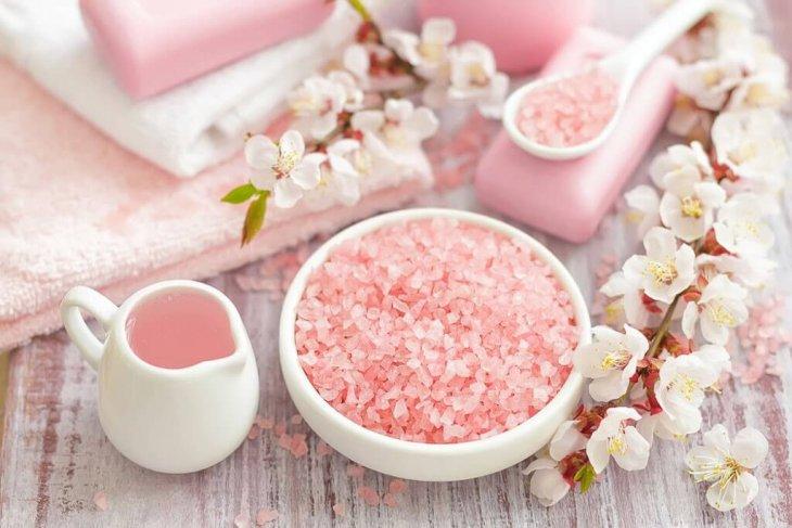 Chăm sóc sắc đẹp với muối hồng Himalaya